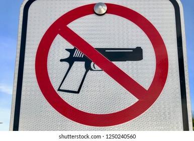 No hand guns sign