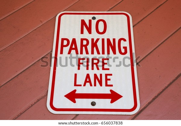 REAL NO PARKING FIRE LANE ARROW STREET TRAFFIC SIGNS