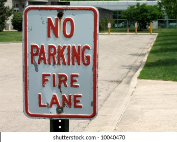 no parking sign for fire lane