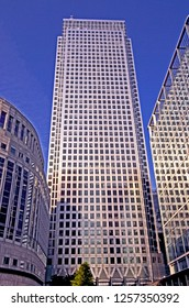 NO1 CANADA SQUARE, OFFICE BUILDING, CANARY WHARF, LONDON. AUGUST 2015. The tall office building reaches the sky with 50 floors