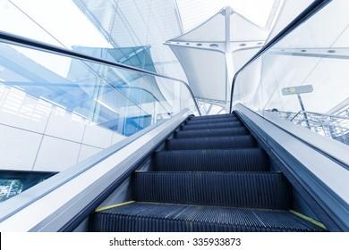 nobody escalator in hall