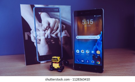Nokia 8 smartphone comes with a 5.30-inch display with Qualcomm Snapdragon 835 SoC.
