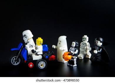 ba1fe9ea6 Skeleton Riding Motorcycle Stock Photos, Images & Photography ...