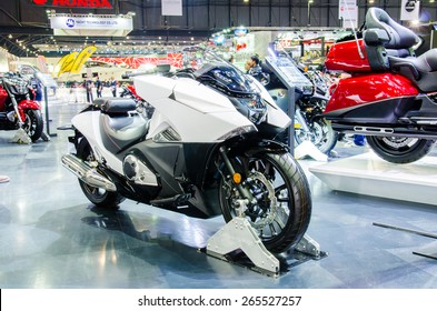 NONTHABURI - MARCH 24: Honda Big Bike motorcycle  on display at Thailand 36th Bangkok International Motor Show 2015 on March 24, 2015 in Nonthaburi, Thailand.