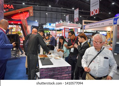 Chef and Customer Images, Stock Photos & Vectors | Shutterstock