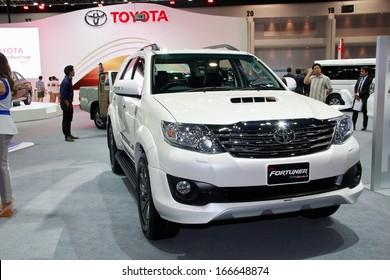 Toyota Fortuner Images Stock Photos Vectors Shutterstock