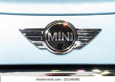 "NONTHABURI, THAILAND - DECEMBER 10,2014 : Logo of the brand ""Mini Cooper"" on car"
