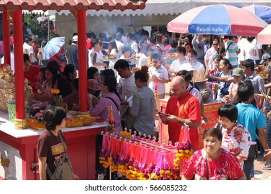 NONTHABURI, THAILAND - JANUARY 28, 2017 : Many people come to worship  at Wat Borom Raja Kanchanapisek Anusorn in Chinese new year on January 28, 2017 in Nonthaburi, Thailand.