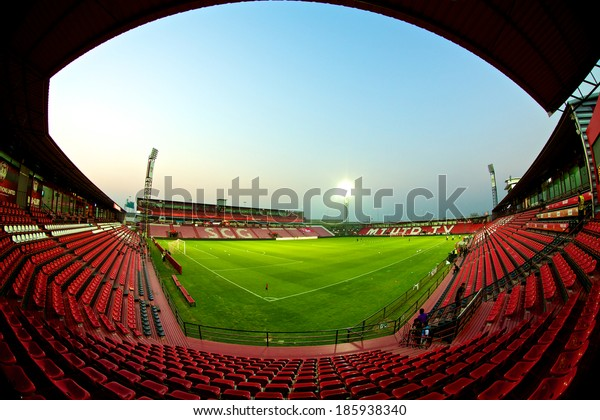 NONTHABURI THAILAND-FEBRUARY 02:Unidentified fish eye view of  SCG Stadium before Thai Premier League between Muangthong Utd.and Chainat FC at SCG Stadium on Feb 02, 2014,Thailand