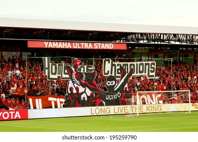 NONTHABURI THAILAND-May 17:Unidentified fan Muangthong utd. show big banner supporters during Thai Premier League Muangthong utd. and Chonburi F.C. at SCG Stadium on May 17,2014 in Thailand