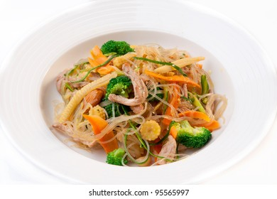 Noodles with Beef and Mixed Vegetables