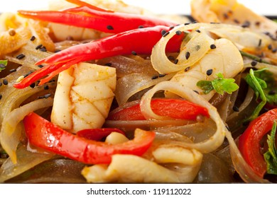 Noodles with Fried Calamari and Vegetables