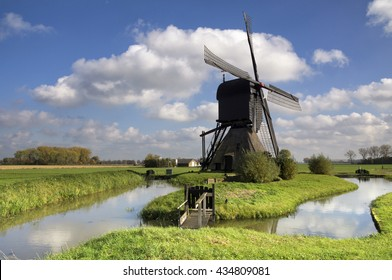 Noordeveldse windmill near Dussen in the Dutch province Noord-Brabant