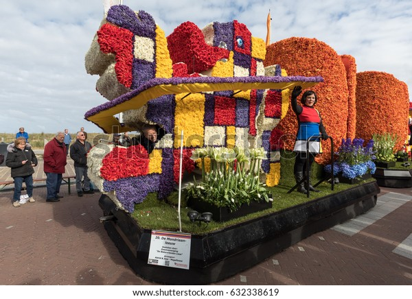 NOORDWIJK, NETHERLANDS - 22 APRIL 2017: Platform with  tulips and hyacinths during the traditional flowers parade Bloemencorso from Noordwijk to Haarlem in the Netherlands.