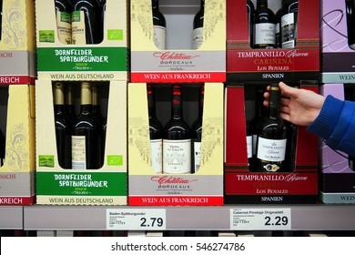 Len Nordhorn aldi groceries images stock photos vectors