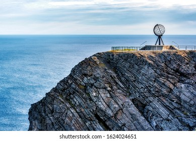 Nordkapp globe with sea view