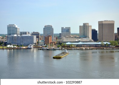 Norfolk city skyline and Elizabeth River, Virginia, USA