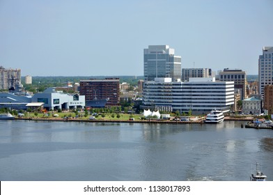 Norfolk city skyline and Elizabeth River, Virginia, USA.