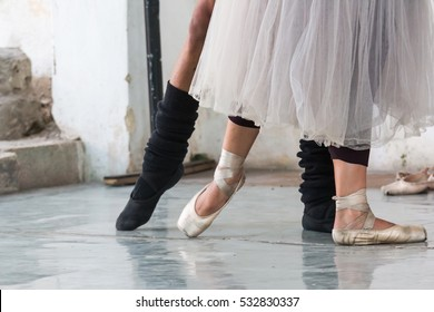 North America, Latin America, Caribbean, Cuba, Havana. Centro Pro Danza, founded by Laura Alonso in 1988, is one of Cubaâ??s foremost center for ballet training.
