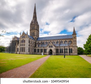 North front of anglican Salisbury Cathedral (Cathedral Church of the Blessed Virgin Mary), one of the leading examples of Early English architecture in Wiltshire, South West England, UK