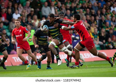 Northampton, UK. 15th September 2018. Courtney Lawes of Northampton Saints makes a break during the Gallagher Premiership round 3 match between Northampton Saints and Saracens at Franklin's Gardens.
