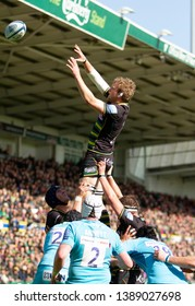 Northampton, UK. 4th May 2019. Jamie Gibson of Northampton Saints catches a line out ball during the Gallagher Premiership Rugby match between Northampton Saints and Worcester Warriors