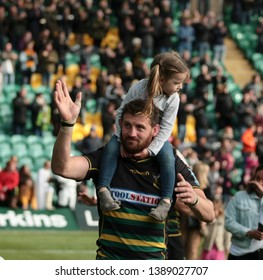 Northampton, UK. 4th May 2019. Tom Wood of Northampton Saints waves to supporters following the Gallagher Premiership Rugby match between Northampton Saints and Worcester Warriors