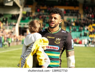 Northampton, UK. 4th May 2019. Courtney Lawes of Northampton Saints does a lap of honour following the Gallagher Premiership Rugby match between Northampton Saints and Worcester Warriors