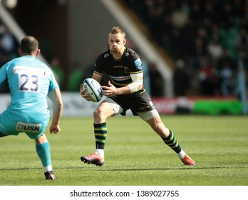 Northampton, UK. 4th May 2019. Rory Hutchinson of Northampton Saints runs with the ball during the Gallagher Premiership Rugby match between Northampton Saints and Worcester Warriors