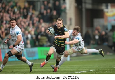 Northampton, UK. 7th April 2019. Rory Hutchinson of Northampton Saints makes a break during the Gallagher Premiership Rugby match between Northampton Saints and Gloucester