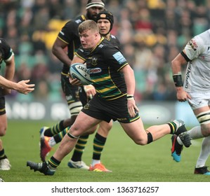 Northampton, UK. 7th April 2019. Reece Marshall of Northampton Saints runs with the ball during the Gallagher Premiership Rugby match between Northampton Saints and Gloucester