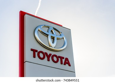 Northampton, UK - Oct 25, 2017: Day view of Toyota logo at Riverside Retail Park