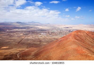 Northern Fuerteventura, Canary Islands, view towards Lajares from Calderon Hondo