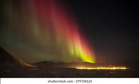 The Northern Lights during an Arctic Christmas in Qikiqtarjuaq, NU/ Arctic Night Lights.