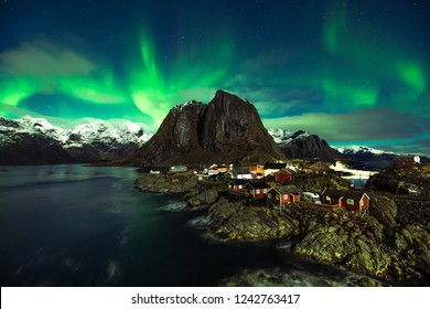 Northern Lights in Hamnoy