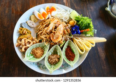 Northern Padthai Style at Chiangrai Thailand, the dish is served with various northern food that you can eat along with the main Padthai course.