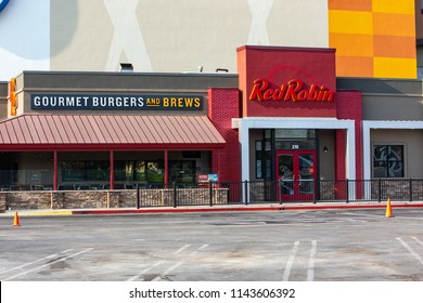 Northridge, CA/USA. July 27,2018. Red Robin restaurant exterior and logo. Red Robin is an American chain of casual dining restaurants.