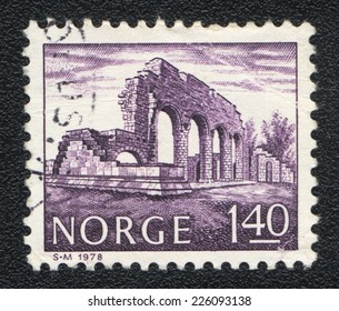 NORWAY - CIRCA 1978: A stamp printed in Norway shows Ruins of an ancient building with arches, circa 1978