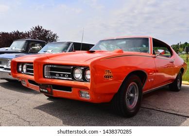 Pontiac Images, Stock Photos & Vectors | Shutterstock