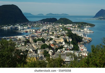 The Norwegian coastal town of Aalesund photographed from a lookout by day