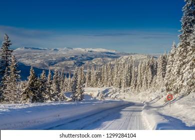 The Norwegian roads in the winter