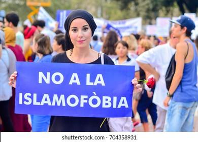 """Not to islamophobia""  Barcelona Peace Manifestation against terrorist attacks on August 17th 2017"