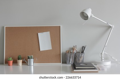 Note Board on working table.