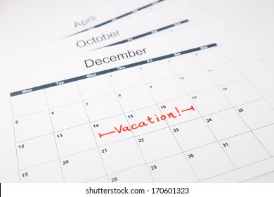 note dates of vacation planning on calendar