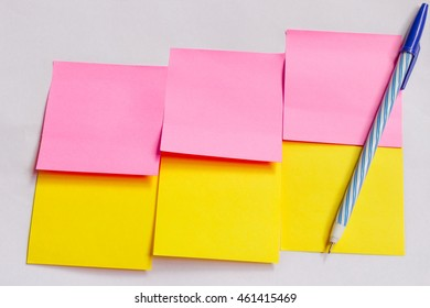 note papers and pen on background and selective focus