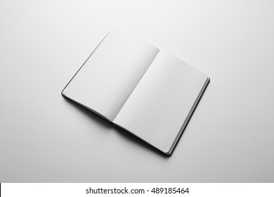 Notebook Mock-up with elastic band closure, ready to replace your design.