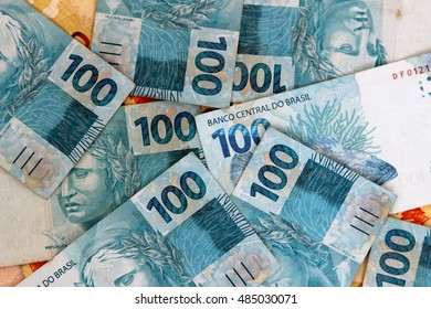 Notes 100 real money Brazil - Shutterstock ID 485030071