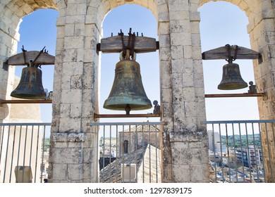 Noto, Italia - 24 de julio de 2018: Bels de la Iglesia de San Carlo Al Corso Noto, Sicilia, Italia