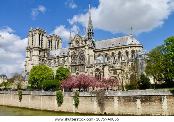 Notre Dame Cathedral Paris France Stock Photo Edit Now 1095940055