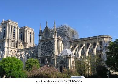 Cathédrale Notre Dame de Paris après l'incendie.